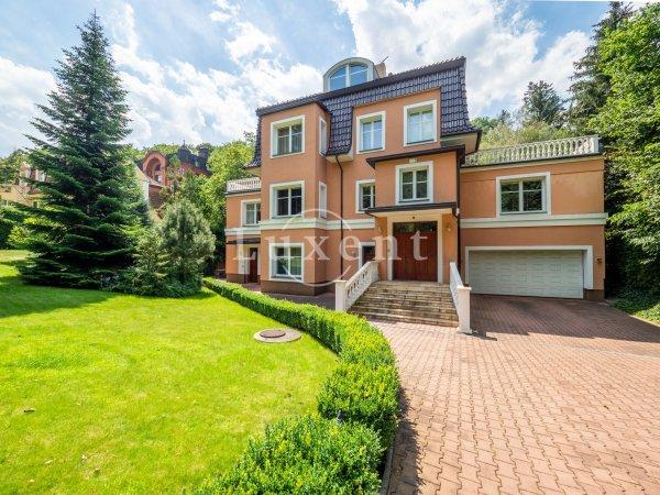 Prodej reprezentativní vily, 9+1/2T/G,  576 m2,