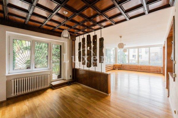 Prodej domu 5+1/3T/G, 257 m2, poz. 693 m2, Praha 5